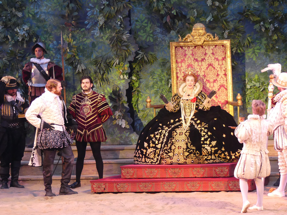 scene in The Lost colony Play where Queen Elizabeth holds court in England