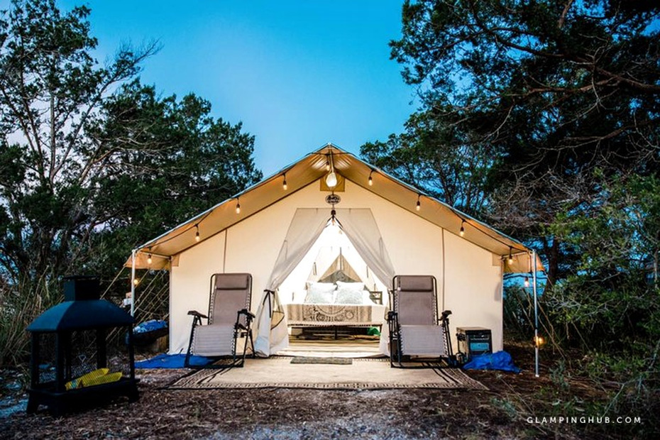 Luxurious tent wth bed showing